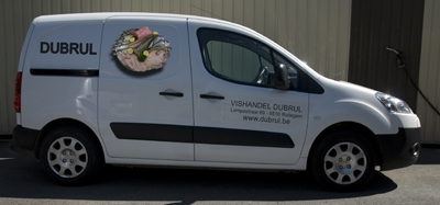 Belettering bestelwagen vishandul Dubrul uit Rollegem