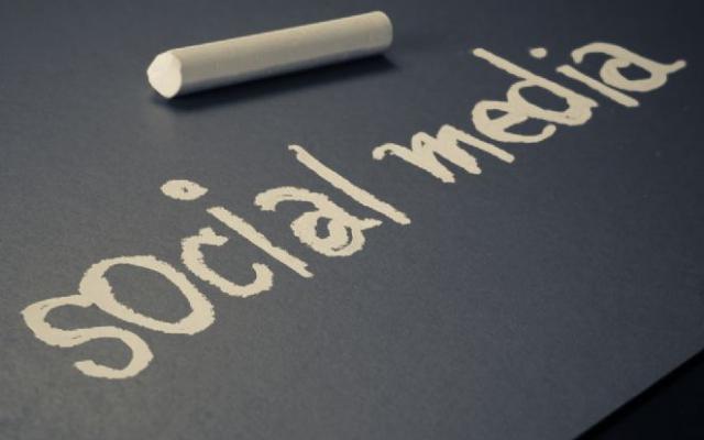 De invloed van sociale media op het online koopgedrag